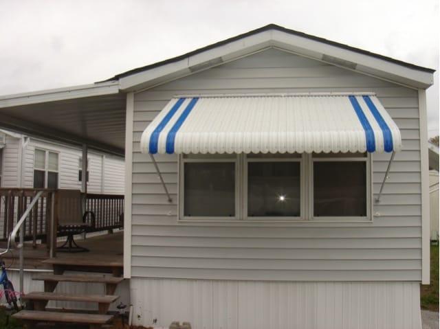 claim-shell-awning